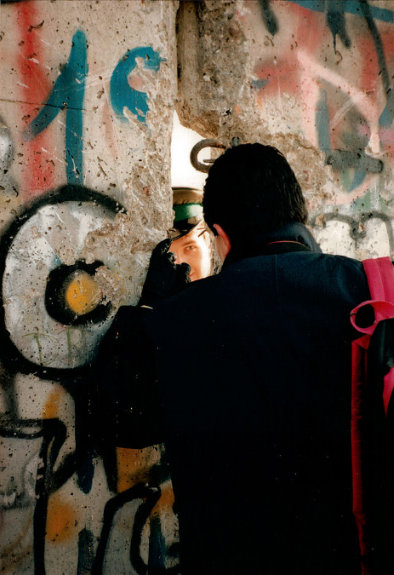 berlinwallarticle2